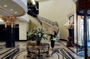 V Praze vznikne Ritz-Carlton. Podívejte se, jak tyto luxusní hotely vypadají v centrech velkoměst