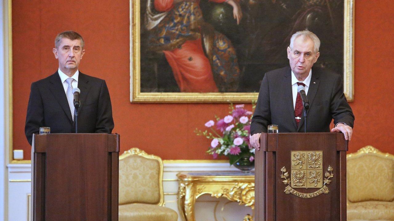 Prezident Miloš Zeman jmenoval šéfa ANO Andreje Babiše premiérem.