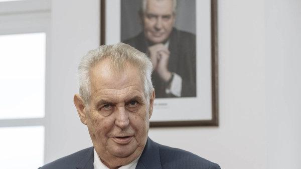Prezident Miloš Zeman podepsal státní rozpočet na příští rok.