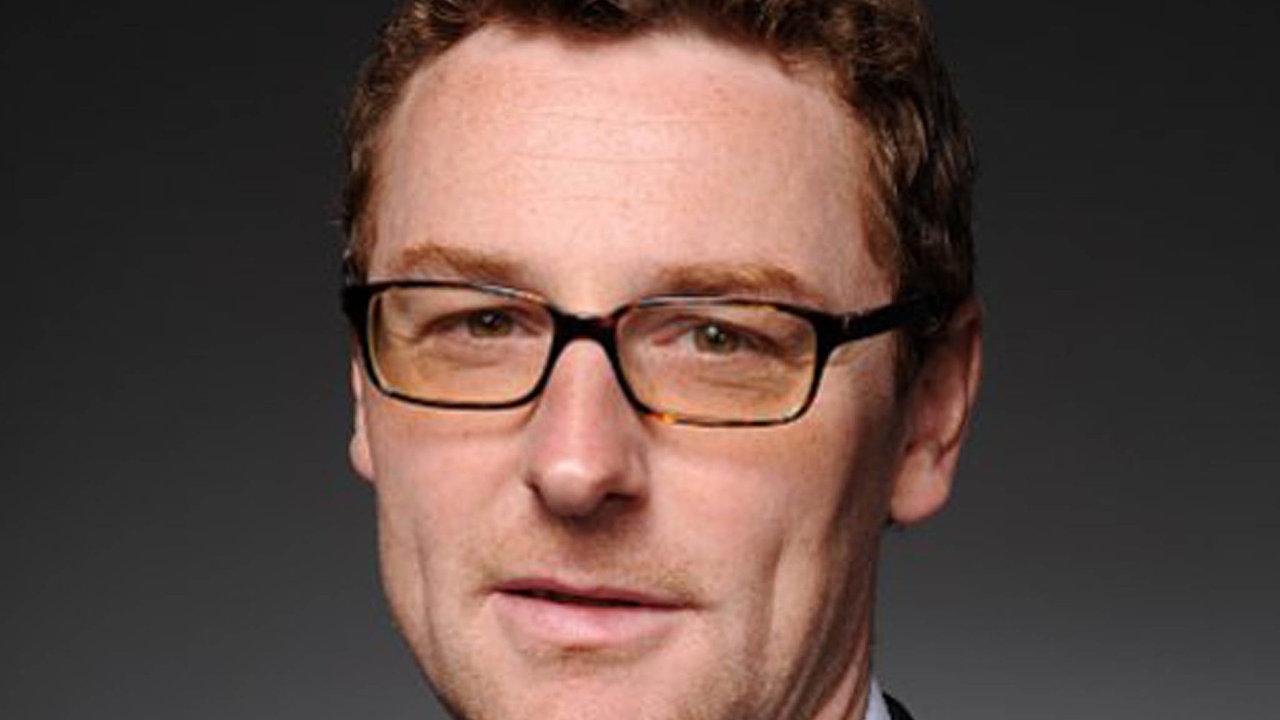 Filip Dvořák, jednatel společnosti BASF vČeské republice, dnes slaví 43. narozeniny.