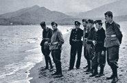 Poprvé vycházejí Sitenského fotografie válečného letectva, roku 1948 kniha musela do stoupy