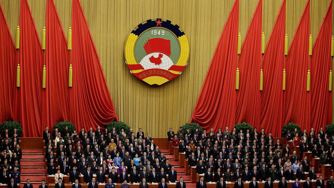 Transformovat, ale neprivatizovat. Paradox – komunistická Čína chce změnit formu svých státních firem, tedy odstátnit, ale mít je přitom pod kontrolou.