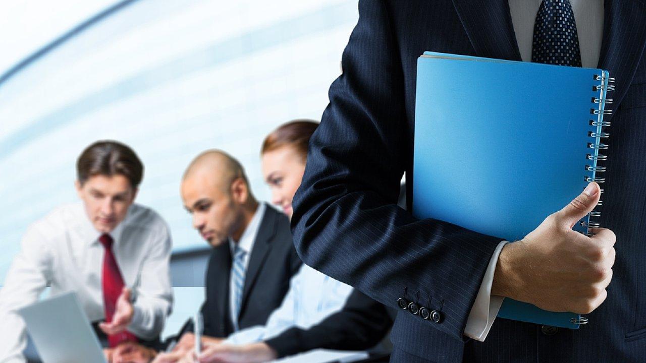 Tým, kolegové, spolupráce, diskuse, manažer