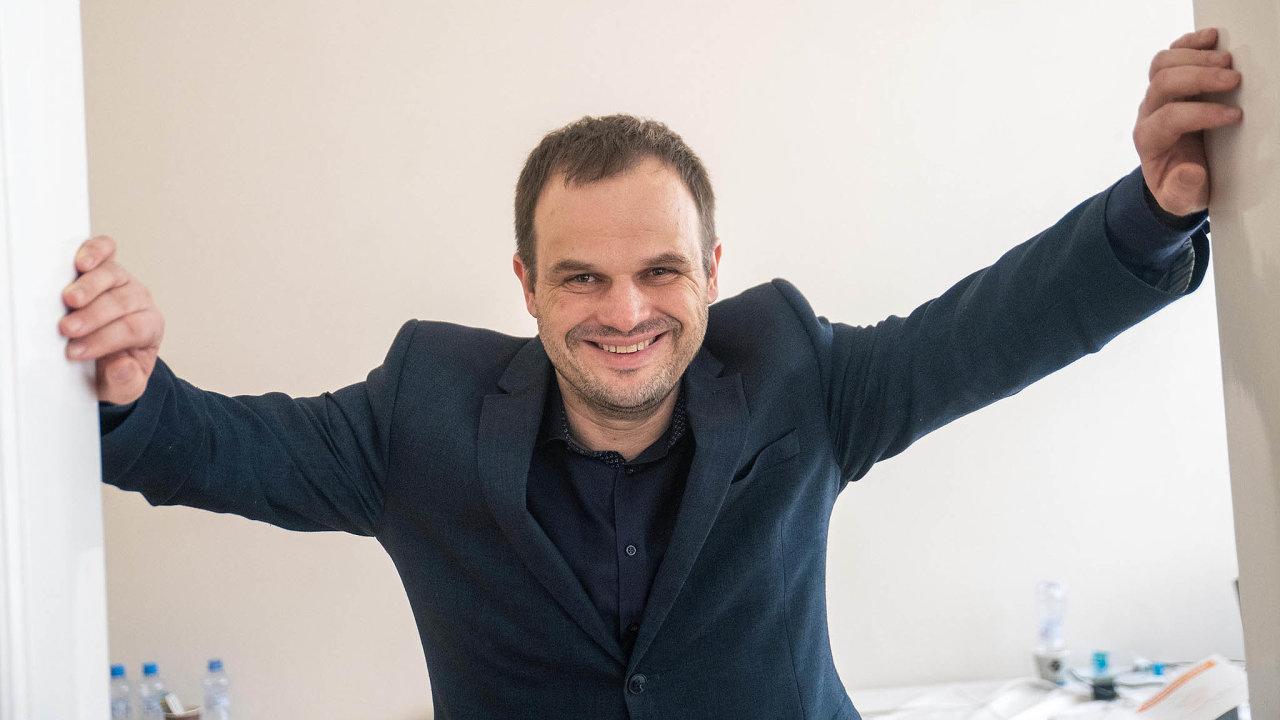 Místopředseda ČSSD Michal Šmarda, který má stranického kolegu Staňka naministerstvu nahradit, zatím nemá pevně stanovený termín setkání sprezidentem. Teprve po něm ho Zeman chce jmenovat.