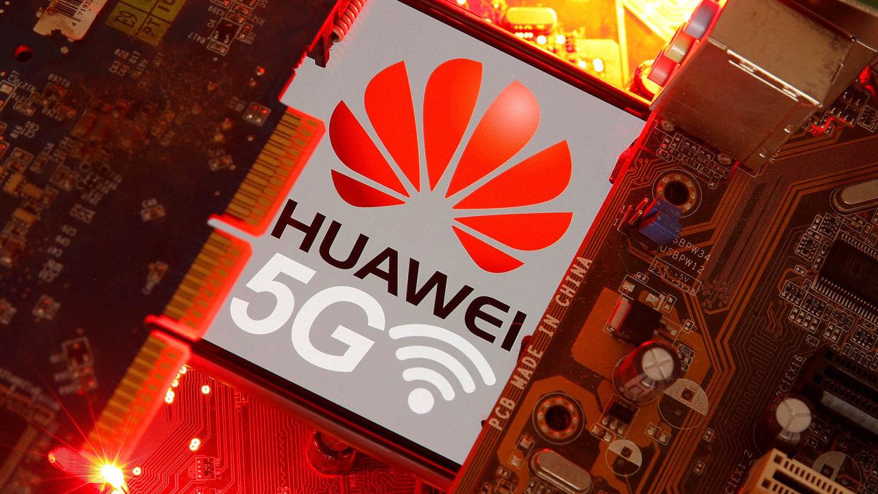 Čínská společnost Huawei, před jejímž zapojením dotvorby 5G sítí varují Spojené státy, oznámení Bruselu umožňující jí pokračovat vevropských projektech uvítala.