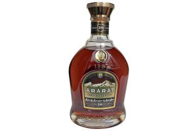 Arménská brandy ArArAt Nairi