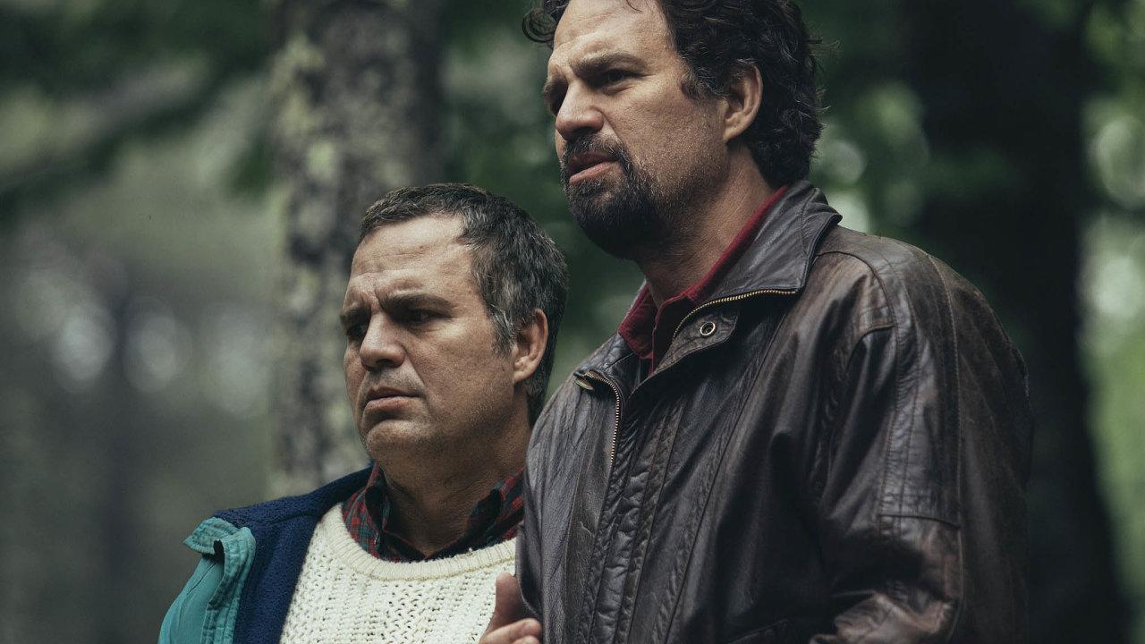 Mark Ruffalo kvůli postavě prvního bratra posiloval ahubl, kvůli druhé zběsile přibral.