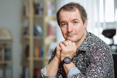 Antonín Kočí z Euromedia Group dostal sportovní hodinky odmanželky, sechystal nasvůj první maraton.