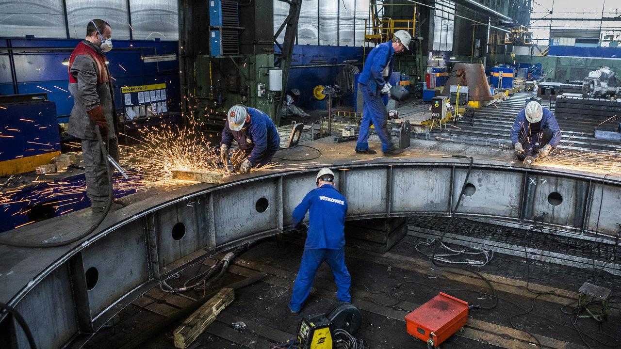 Desítky milionů měsíčně prodělávala vposledním roce firma Vítkovice Heavy Machinery. Jen zaprvní čtyři měsíce letošního roku přesáhla ztráta 280 milionů.