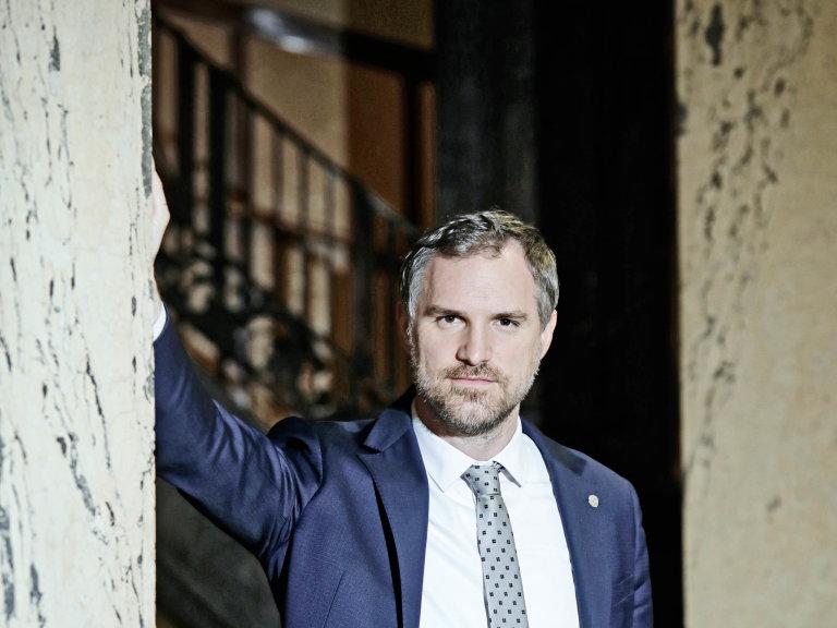 Pirátský primátor Zdeněk Hřib si obě ředitelky pražských domovů pro seniory, které zdarma užívaly vozy stíhaného lobbisty, předvolal.