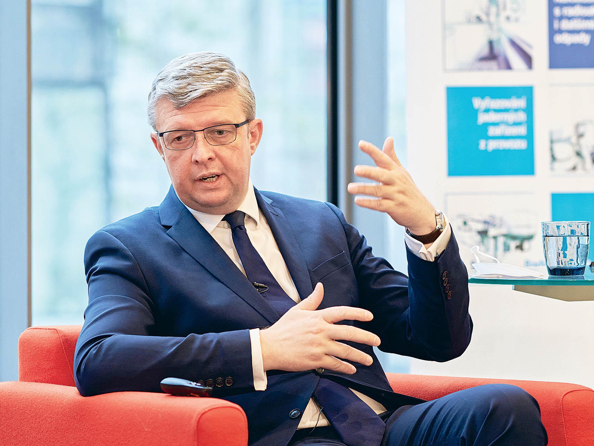 """""""Pro nízkoemisní výrobu elektřiny jádro nutně potřebujeme,"""" myslí si místopředseda vládyKarel Havlíček."""