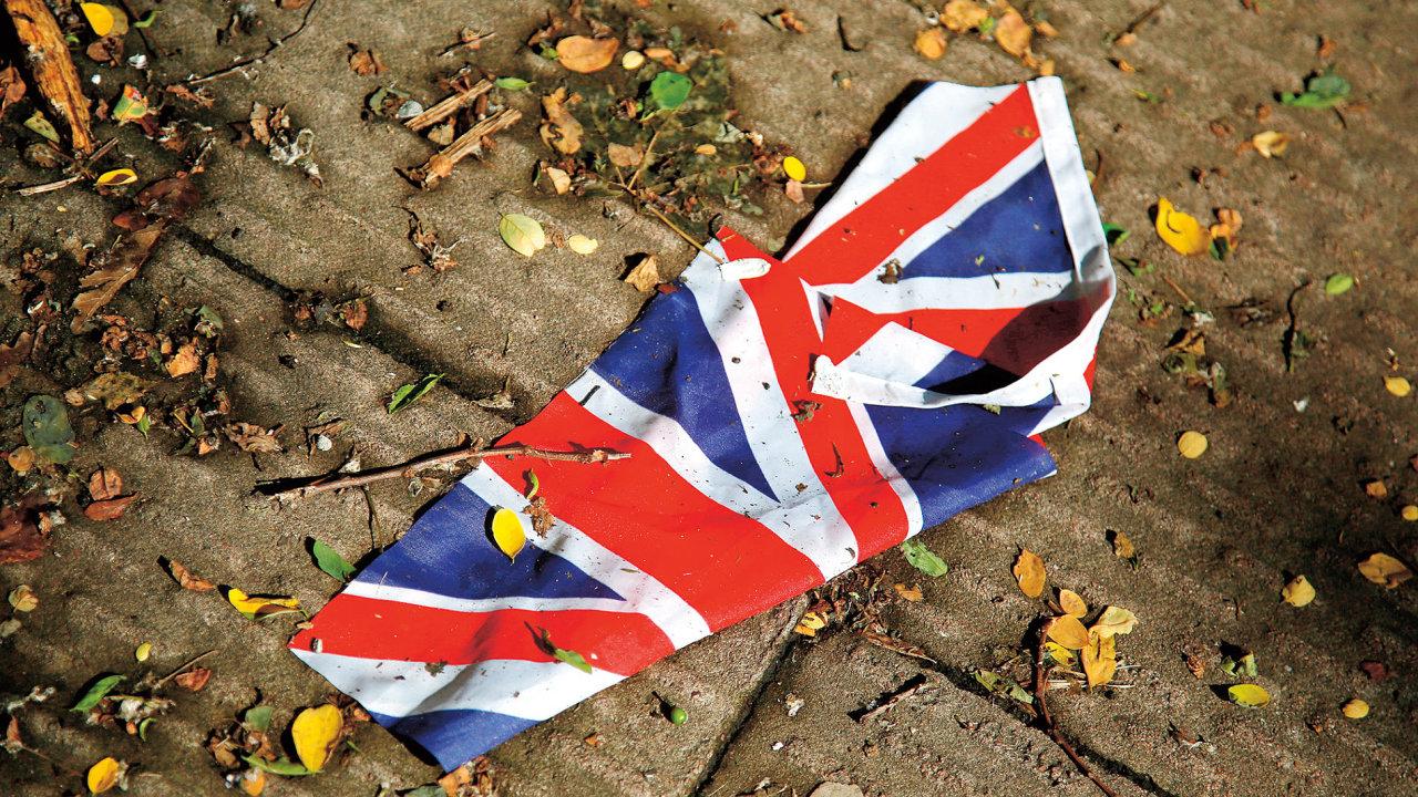 Historicky slabá libra, akcie britských bank ve výprodeji. S tím asi Britové nepočítali, když minulý čtvrtek házeli svůj hlas do urny v referendu o vystoupení z Evropské unie.