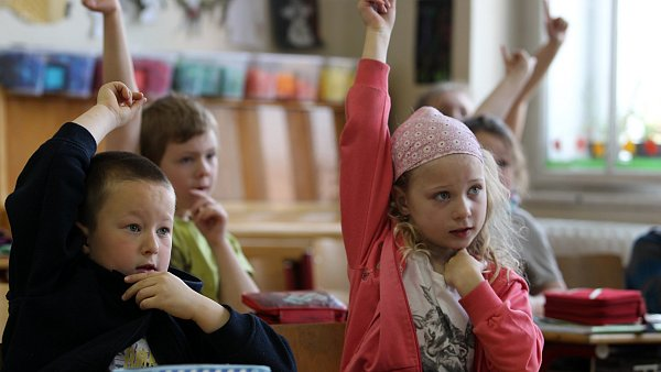 Žáci ve škole, ilustrační foto