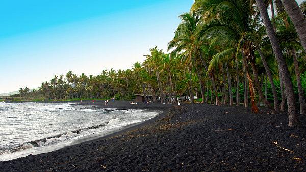 Černá pláž Punaluu, Havaj