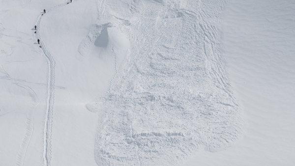 Na lyžování mimo sjezdovku doplatili dva lidé - Ilustrační foto.