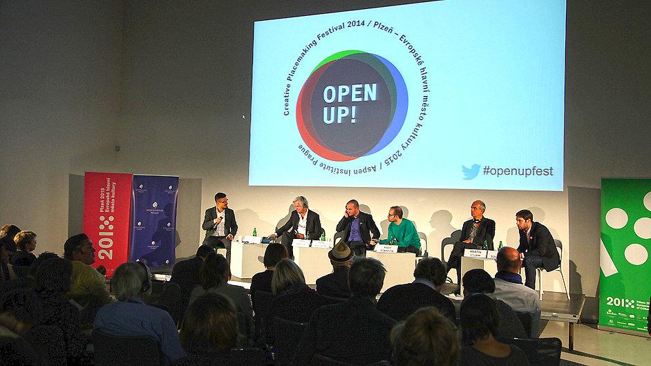 Zástupci Plzně 2015 se zúčastnili konference Open Up! v pražském DOXu.