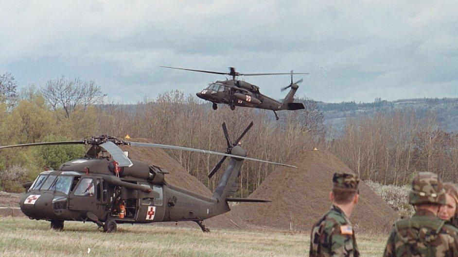 UH-60 Black Hawk, vrtulník