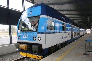 Čeští železniční dopravci nezvládají bezpečnost, ale slibují zlepšení