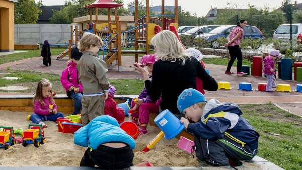 Ministerstvo školství tvrdí, že v roce 2017 bude tří- až pětiletých dětí o 30 tisíc méně než v roce 2014 - Ilustrační foto.