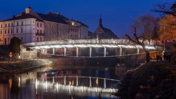 Jednou z ocen�n�ch staveb je Komensk�ho most v Jarom��i