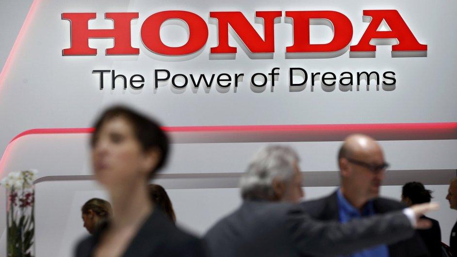 Stánek Honda na autosalonu v Ženevě