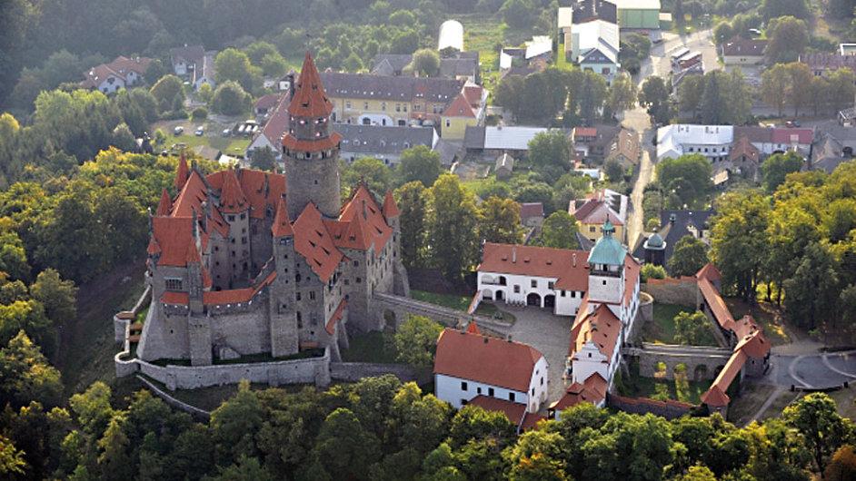 12 hrad bouzov V RUKOU STATU foto CTK P201208240380201