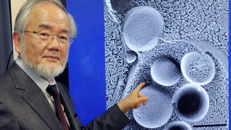 Držitel Nobelovy ceny za medicínu za rok 2016 Jošinori Ósumi.