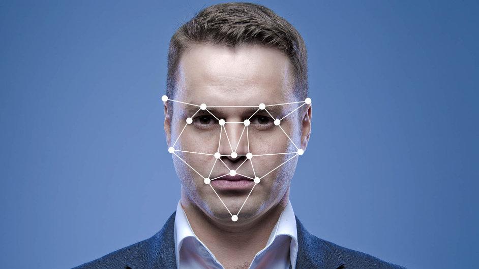 Umělá inteligence rozpozná lidi na fotografiích a videu. Brzy toho využijí i firmy k marketingu a prodeji.