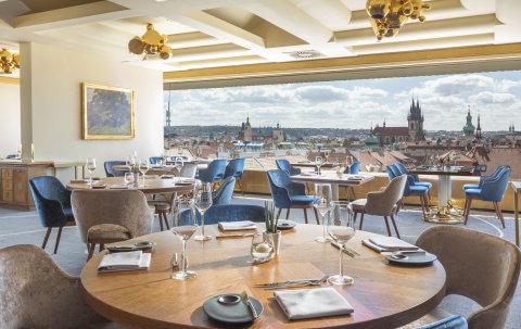 Zlata Praha Restaurant 10
