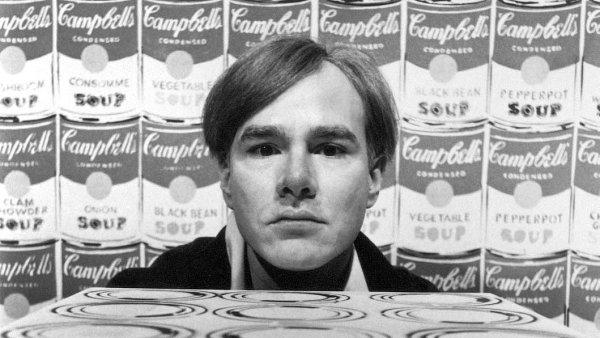 Nakladatelství Argo vydává limitovanou edici knihy Andy Warhol: Gigant, která obsahuje dva tisíce umělcových reprodukcí.