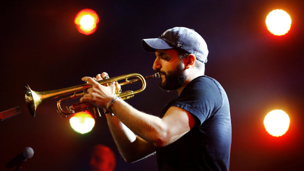 Na snímku z letošního festivalu v Montreux je šestatřicetiletý trumpetista Ibrahim Maalouf.