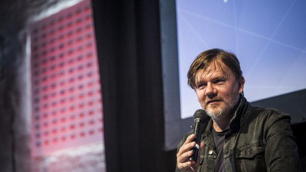 Snímek z diskuse s Michalem Hrůzou v rámci fóra Meltingpot při festivalu Colours of Ostrava.