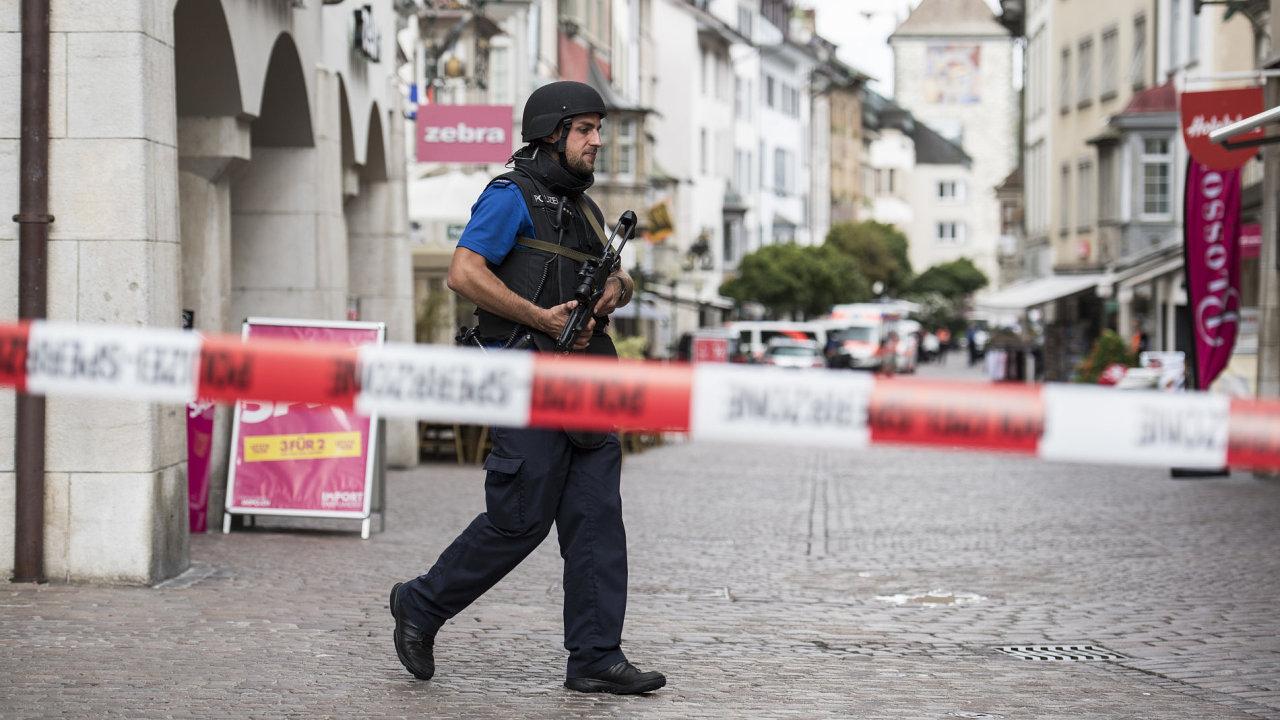 Policie uzavřela historické centrum města.