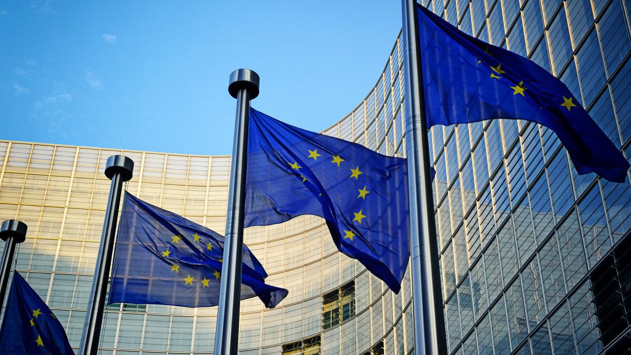 Česká republika nedočerpá z evropských dotací osm až deset miliard korun.