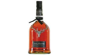 Whisky s užitečnou stužkou, kterou provází legendy