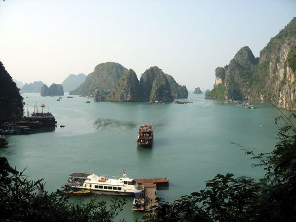 Zátoka Ha Long ve Vietnamu