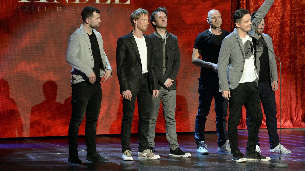 Cenu Anděl v kategorii Skupina roku získala kapela Chinaski.