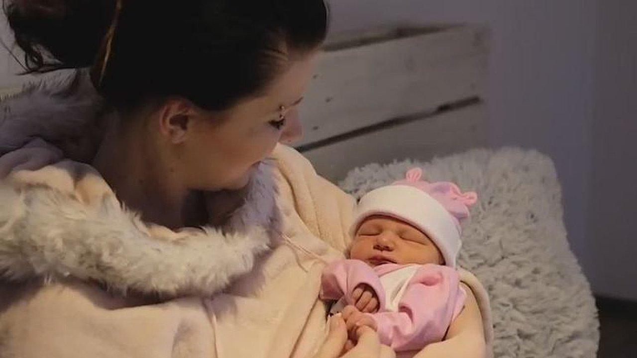 Matka dokáže pomocí biologických hodin ovlivnit nenarozené dítě