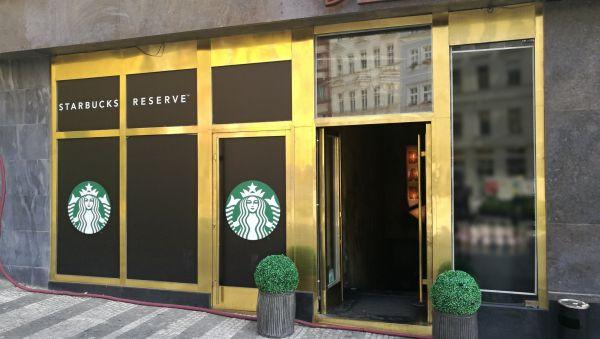 Starbucks Reserve na pražském Jungmannově náměstí