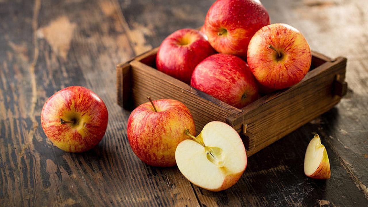 Řetězce chtějí jenom hezké ovoce, říká ovocnář.