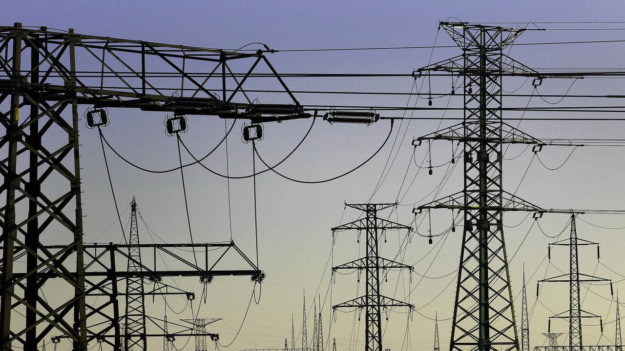 Výroba a rozvod elektřiny, plynu, tepla a klimatizovaného vzduchu se snížily o 13,8 procenta.
