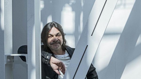 Nějaké duševní problémy má každý, říká zakladatel a šéf festivalu Mezi ploty Robert Kozler