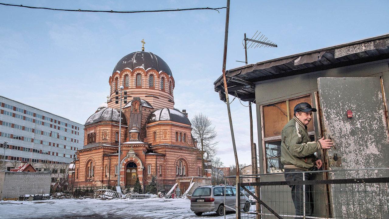 Chrám Vzkříšení Krista zůstal stát posovětském bombardování vroce 1944 jako jediná stavba vcentru Narvy.