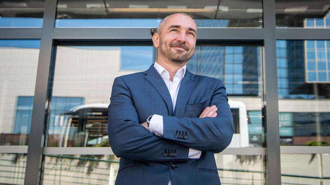 Roman Florián: Je třeba vzdělávat investory, hlavně ty drobné, aby chápali, jaká rizika investice dofiremních dluhopisů nesou.