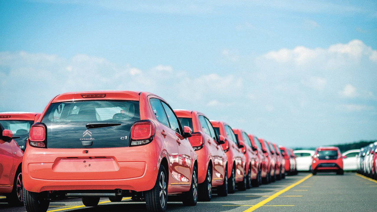 Auto zinternetu dodá logistická firma