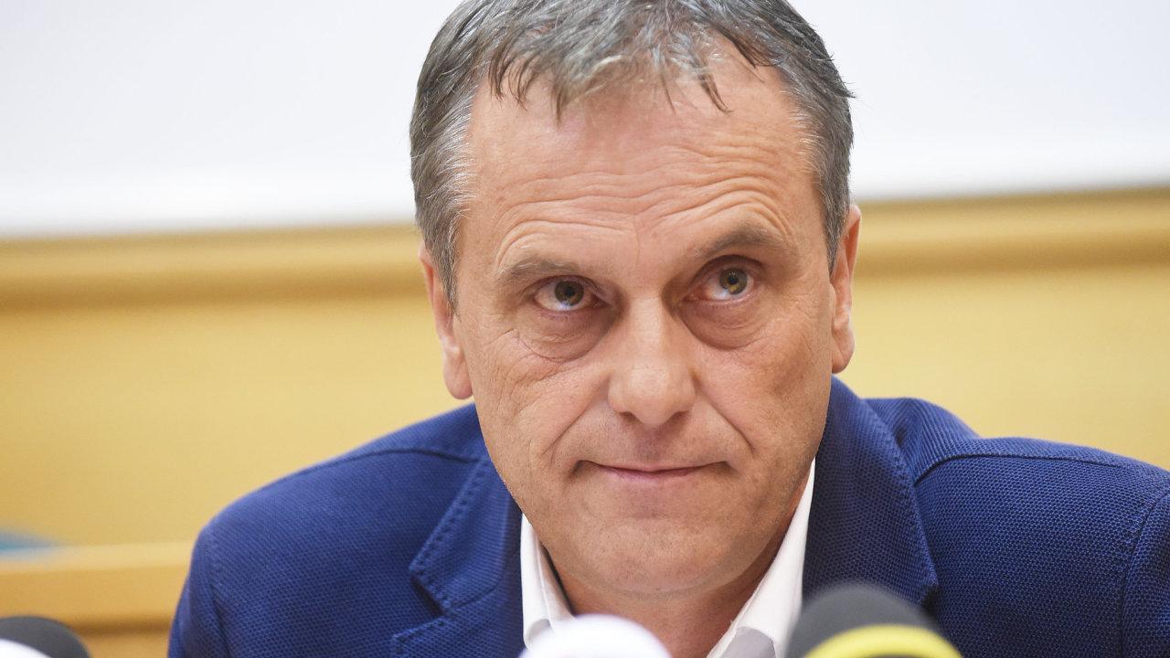 Olomoucký hejtman Jiří Rozbořil dál odmítá odstoupit, ačkoliv ho k tomu vyzývá širší vedení sociálních demokratů.