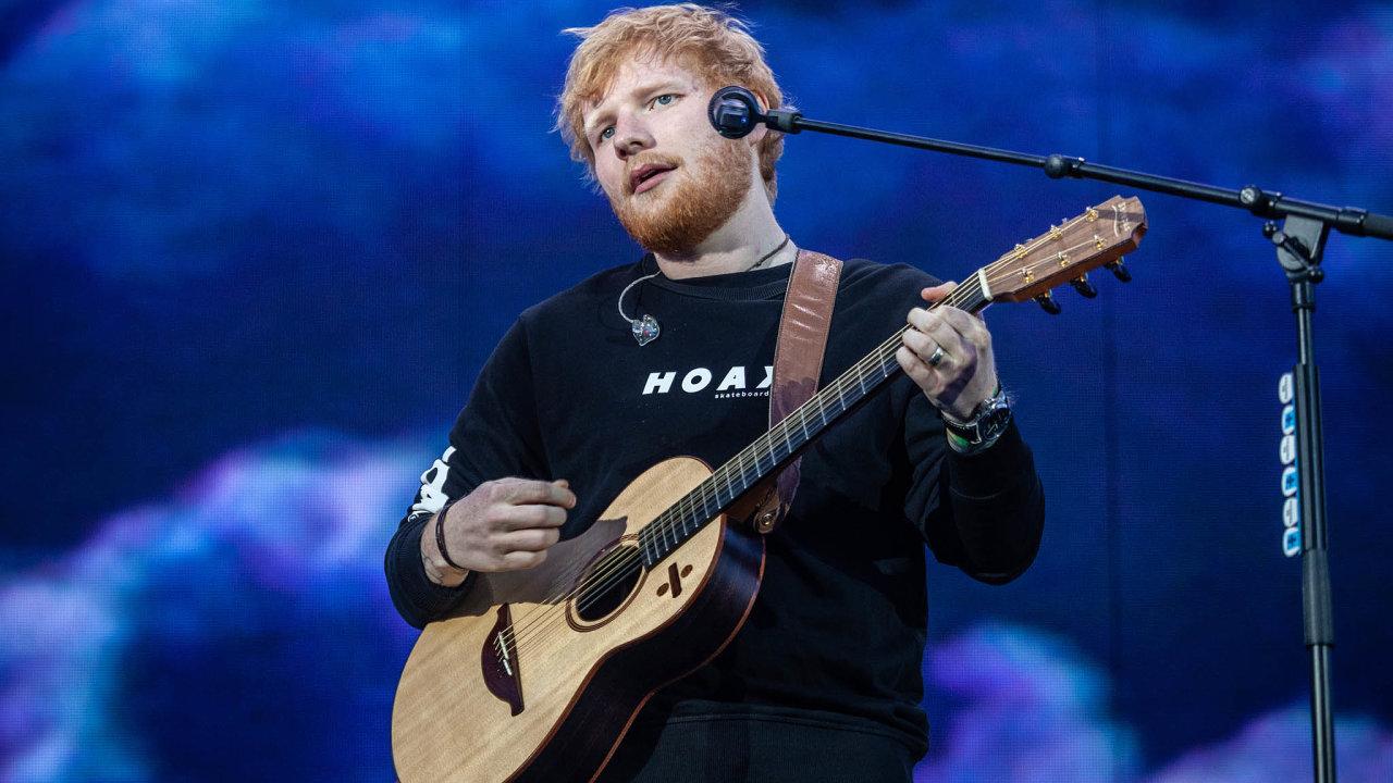 Nakoncerty britského písničkáře Eda Sheerana dopražských Letňan přišlo předevčírem 80 tisíc avčera odhadem dalších 70 tisíc lidí.