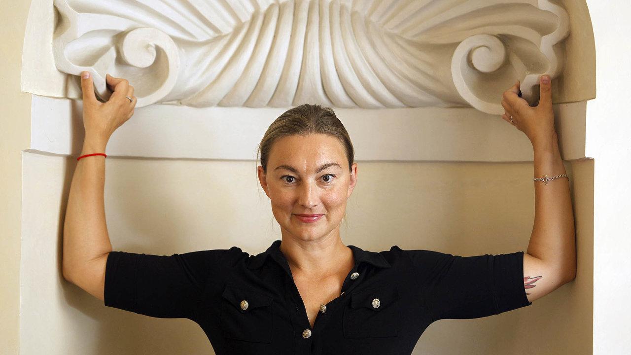 Ministerstvo kultury by mohla dočasně vést nynější náměstkyně Kateřina Kalistová zČSSD.
