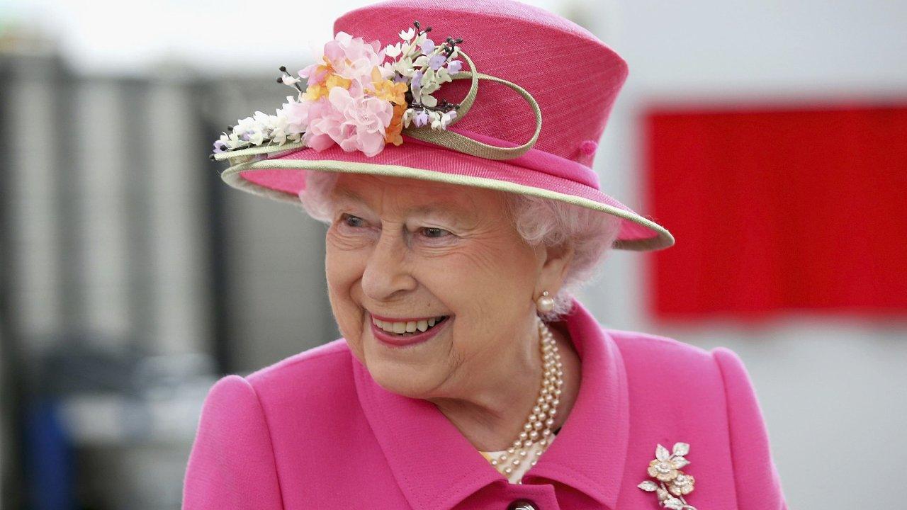 Britská královna schválila zákon proti brexitu bez dohody.