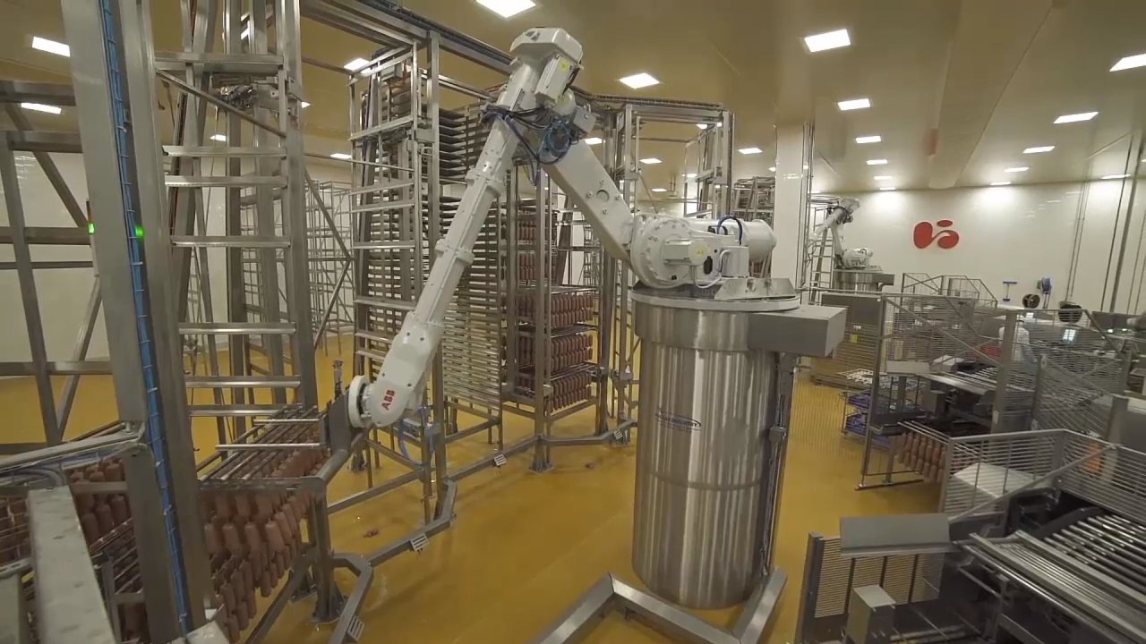 Plně automatizovaný výrobní závod společnosti Cherkizovo Group v ruském městě Kašira